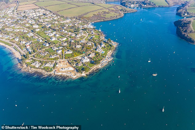 St Mawes is on the Roseland Peninsula,separated from the rest of the county by the River Fal