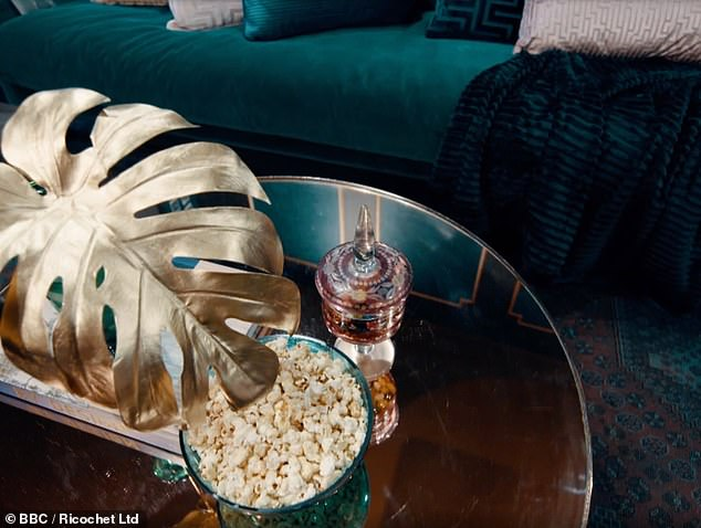 On a designer budget: Winnie creates her own version of a gold palm leaf standing lamp