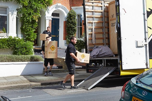 Having a reliable and trustworthy removal firm is essential in helping moving day to go smoothly